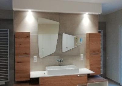 Installation électrique et éclairage dans une salle de bain