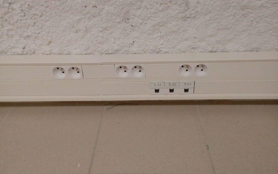 Installation de prises réseaux, téléphones et prises de courant